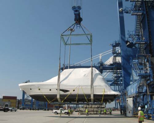 Boat-Logistics-Port-Lift